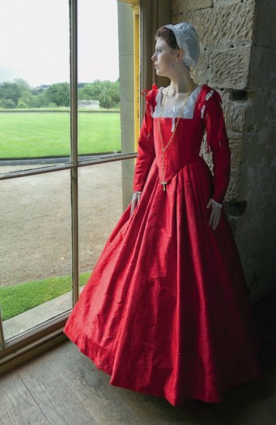 Gallery Of Gorgeous Fashions At Belsay Julia Renaissance